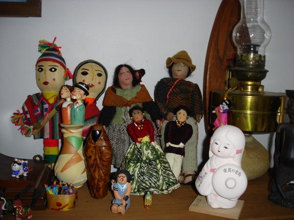DollsRt.jpg